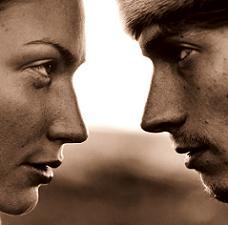 hombre-mujer-hablando