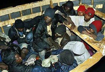 inmigrantes-cayucos 01-04-2009